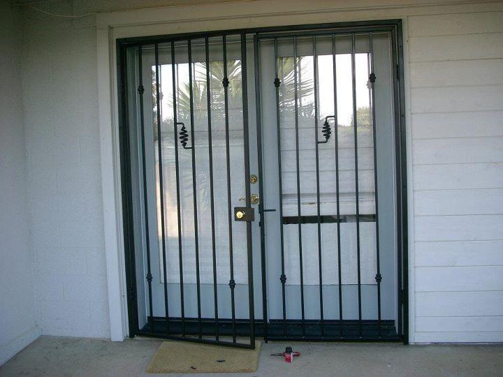 double door security gate 1