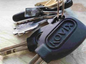 bunch of keys house key car key locksmith worthing