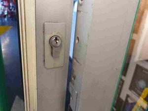 silver door lock locksmith clifton hill